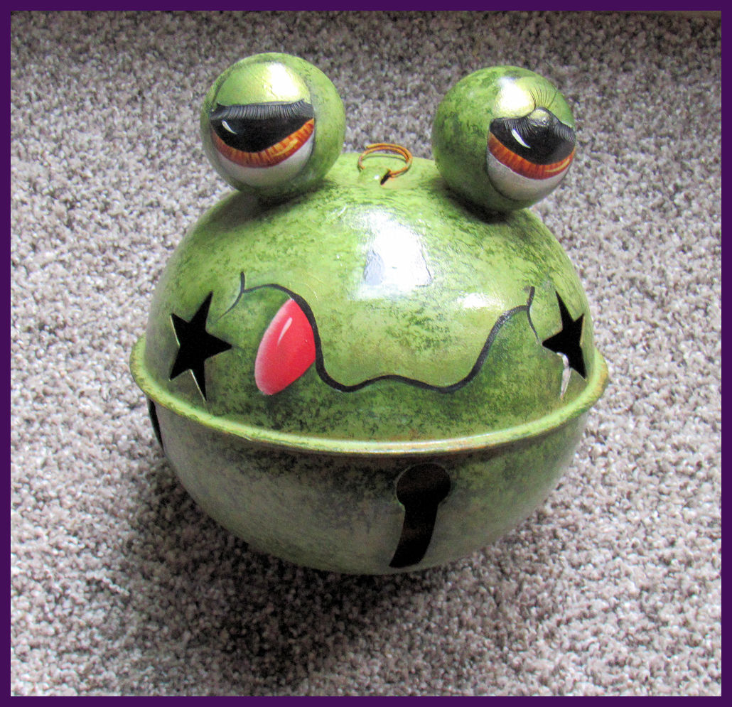bc-frog-on-large-bell-bcfrog201170630f.jpg