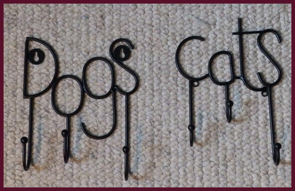 metal-dog-cat-triple-hanger-12404-12459.jpg