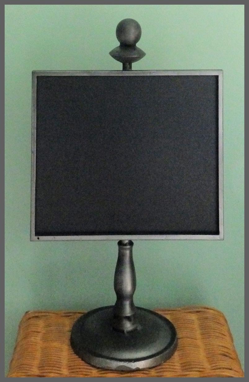 metal-pewter-chalkboard-stand-cb20180616-boarder.jpg