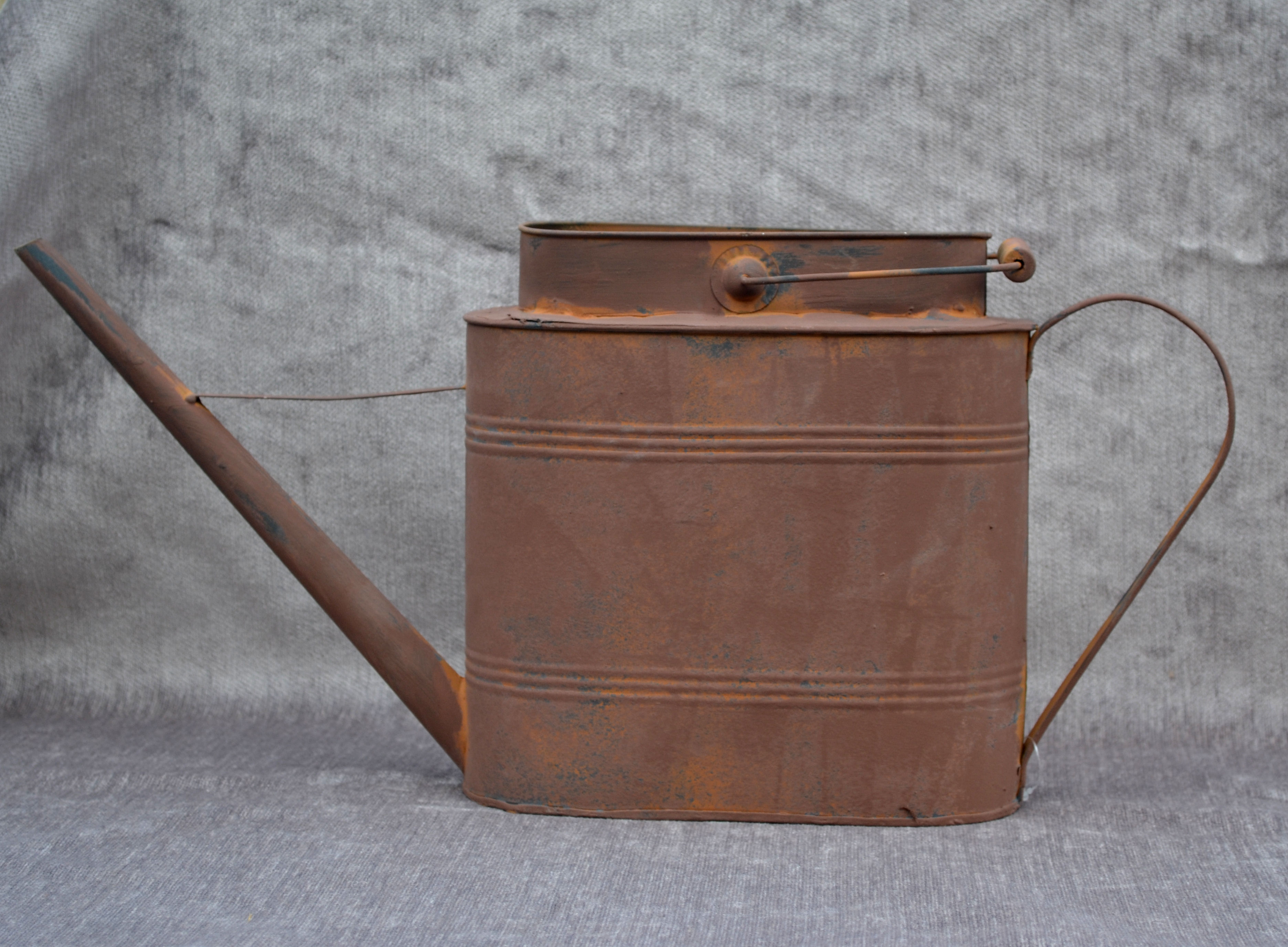 metal-watering-can-oblong-4025006215.jpg