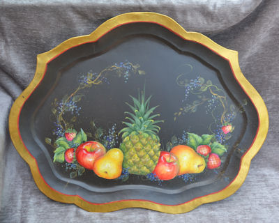 wood-scalloped-tray-809298w-design-by-mary-gibilisco-sm.jpg